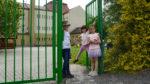 Zahradní branka otevřená